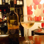 トリッペリア トリッパ - ハウスワインはボトルでいただきました