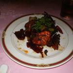 赤坂 四川飯店 - 四川友の会2013で出された料理その1です。スペアリブと伊勢海老がベストマッチで、舌が痺れるほどの辛さと旨みが最高でした。