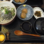 鎌倉甚平 - 生しらす丼セット(しょうが)