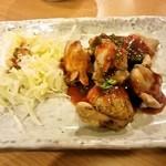 一軒め酒場 - 鶏もも焼き 辛味噌(294円)