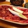 ホルモン焼 竹のこ - 料理写真:牛かるび豚ロース900円
