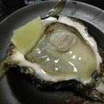 粋や 旬月 - 岩牡蠣(象潟産)