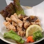 酔鯨亭 - ウツボの唐揚げは、モチモチした食感でやみつきに♪