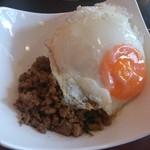 コカレストラン - ・ランチ、豚挽き肉のバジル炒めご飯