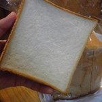 ペトラン - 食パン250円