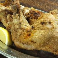 室蘭やきとり 今昔 - 時間を費やし丁寧に焼き上げた、若鶏半身の炭焼き(月~木限定) 820円