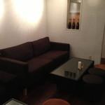 keiki - ソファー席はゆったりくつろげる広さです。