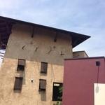 20237622 - 2013,7.23砦風の建物