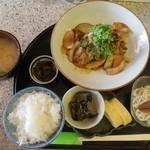 小さい店 良 - 豚肉と玉ねぎの生姜焼き
