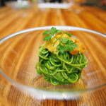 AWkitchen TOKYO - 冷製パスタの定番、利尻の生ウニと地葱のジェノベーゼ。前菜におすすめです♪