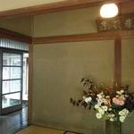 京亭 - 玄関を上がります。