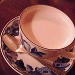 カフェ・フォリオ - ホットミルク