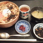 海王丸 神田店 - 味噌豚丼¥500