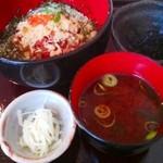 炉ばた 魚魚炭 - ランチ魚魚炭丼¥700