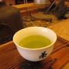 田畑茶店 - ドリンク写真:店内で試飲させてくれます
