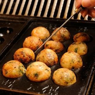 大阪名物◆当店のたこ焼は、自分で焼いて食べるスタイルです♪