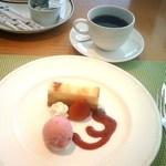 20266132 - 【2013/7】マリンランチ1500円・デザート