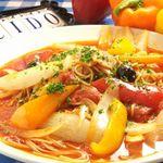 コシード デ ソル - 若鶏と彩り野菜のチリンドロンソーススパゲッティ