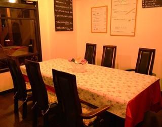 ピュ ア ストーリア - ◆お誕生日会などは、こちらのテーブルへどうぞ♪