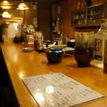 一茶 - こんなカウンターのお店です(2013、7.23)