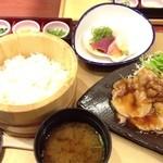 四六時中 - ホエー豚のしょうが焼と刺身御膳(¥1,090)