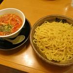 越後秘蔵麺 無尽蔵 - 濃厚エビつけ麺《太麺》(\870、2013年7月)