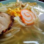 塩苅食堂 - 2013年7月26日(金) 塩ラーメン(650円) スープ、具材