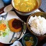 手打めん処 三朝 - カレーうどん定食(コロッケ付)900円