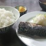 梅月食堂 - 焼き魚定食 500円 この日はサバ