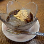 美鶴 - わらび餅(さっと冷水で締めて、お手製の黒蜜を寝かせたものでいただきました)