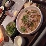 スリークタラート - 三元豚の冷製パスタ(ランチ)
