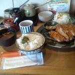 とんかつ 豚ゴリラ - とんかつ 豚ゴリラのパワーランチ ロース160g1200円(12.07)