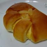 20290931 - クリームパン