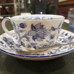 珈琲苑 - コーヒーカップを横からアップ