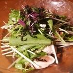 くずし割烹 和dining 一昇 - 鶏ささみ霜降りと水菜の塩昆布サラダ