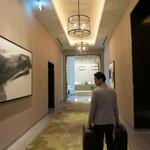パレスホテル東京 - フロントが見えて来て、もういい香り♡