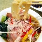 20301007 - 灘区にあった福竜門さんの刀削麺。
