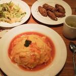 スパイシーチキン - オムライス¥670