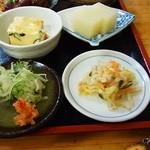 たぬき庵 - 玉子豆腐・グレープフルーツの葛寄せ・薬味・切干大根サラダ