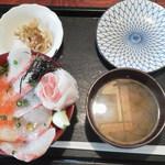 食事処よかった - 三色丼¥1280