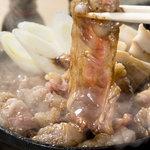 仁屋 - 仁屋の名物「和牛の五寸鍋」まちがいない美味しさです