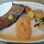 ヴィラモウラ - 牛肉グリル&カジキマグロと野菜のエスペターダ