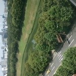 アルゴ - デザートの時は席が変わってこっちは皇居とイギリス大使館が見えて遠くにスカイツリーが