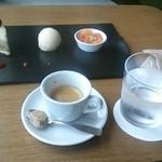 アルゴ - デザートとエスプレッソ