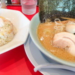 清六家 - 豚骨醤油ラーメンと半チャーハンセット¥960