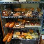 原パン工房 - バゲットから、角食など小売有り