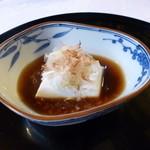 夢想庵 - 2013.07 ヨーグルトっぽい風味の豆腐、、おお!って感動してたらおばちゃんが『冷奴です』って:汗