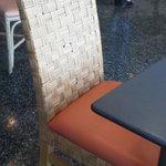 MOM'S - 201307 マムズ 椅子は・・・こんな感じ