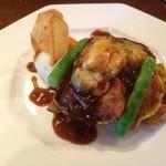 20333638 - 若鶏のピカタ黒コショウソース じゃが芋のピューレ賀茂茄子チーズ焼き
