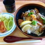 箱館山レストラン・第2ヒュッテ - とんちゃん丼